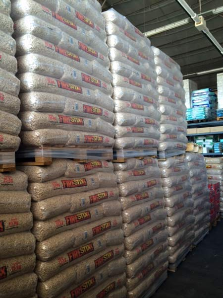 Vendita pellet reggio emilia scandiano prezzi offerta - Stufe a pellet per termosifoni prezzi ...